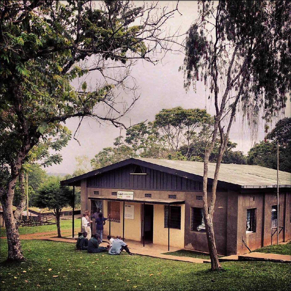 Edificio sede della direzione della Makerere University Biological Station (Foto: E. Soh).